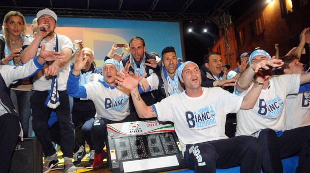 Ferrara, la festa per la promozione della Spal in Serie B (Foto Businesspress)