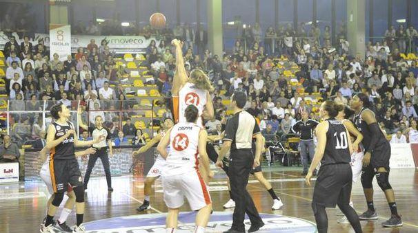 Basket: il sogno-scudetto di Lucca è appeso a un filo