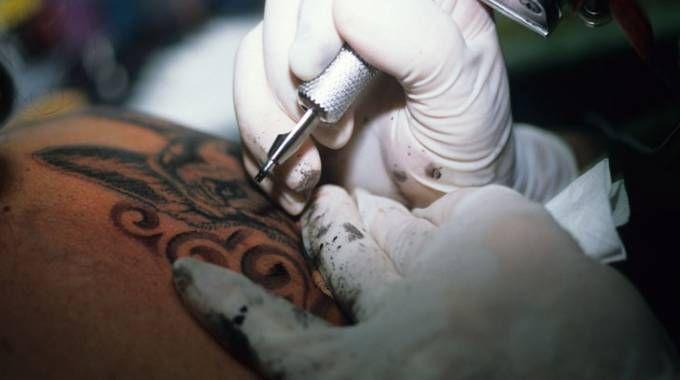 L'inchiostro di Ephemeral cancella il tatuaggio dopo un anno (Foto: 1Apix /Alamy/Olycom)