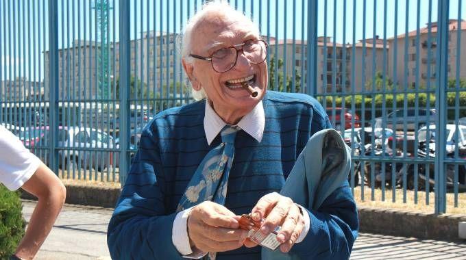 Marco Pannella durante una delle sue visite a Sollicciano (Germogli)