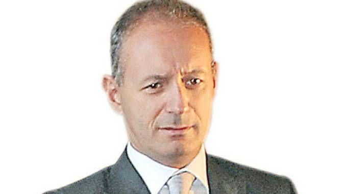 Stefano Bruni ha 54 anni: è stato sindaco di Como fino al 2010 per due legislature Nella vita fa il commercialista