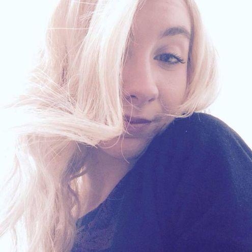 Sara Di Pietrantoni, un'immagine dal suo profilo Facebook (Ansa)