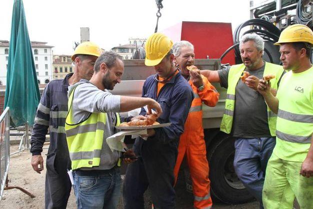 L'incontro con gli operai