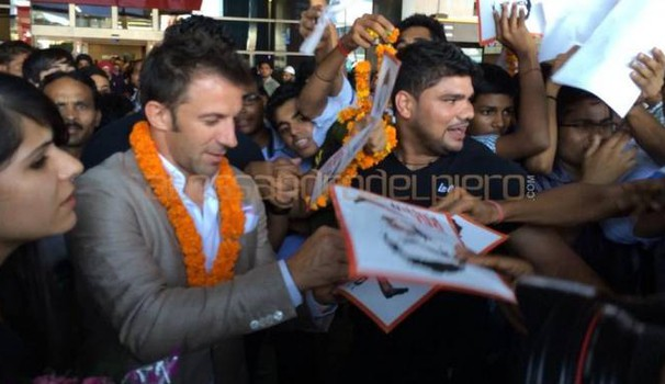 Alessandro Del Piero all'arrivo in India (Foto Twitter)