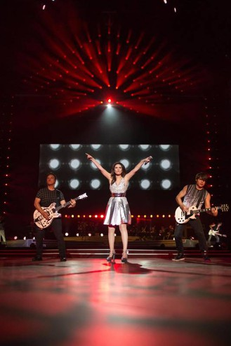 Laura Pausini sul palco di San Siro
