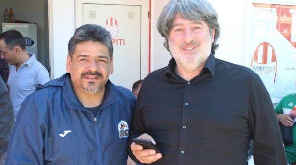 Hugo Hernan Maradona, a sinistra, con 'Meco' Agostini