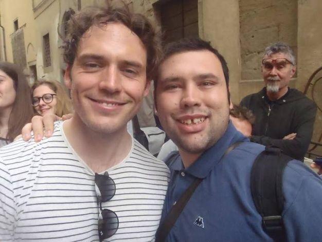 Set in piazza Grande: Stefano Conti, selfie con Sam Claflin