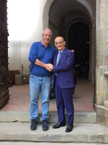 Set in piazza Grande: Roger Michell con il primo rettore Pierluigi Rossi