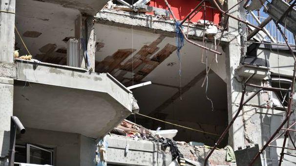 Esplosione palazzo in via Brioschi
