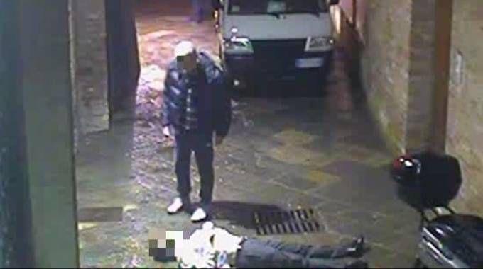 Mps, un frame del video choc sulla morte di David Rossi