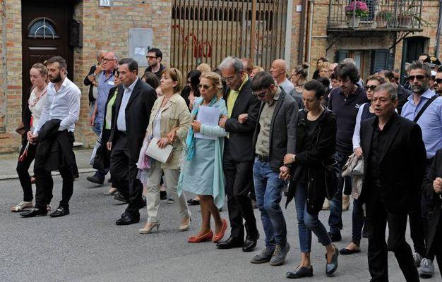 L'addio ai due ragazzi deceduti nell'esplosione a Milano (foto Calavita)