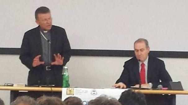 Monsignor Trasarti all'incontro con gli operatori economici