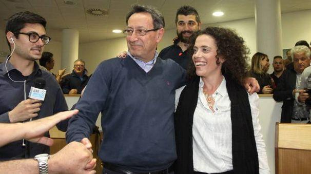 Piunti nuovo sindaco di San Benedetto, i festeggiamenti (Foto Sgattoni)