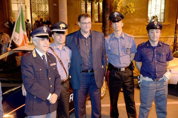 Con le forze dell'ordine