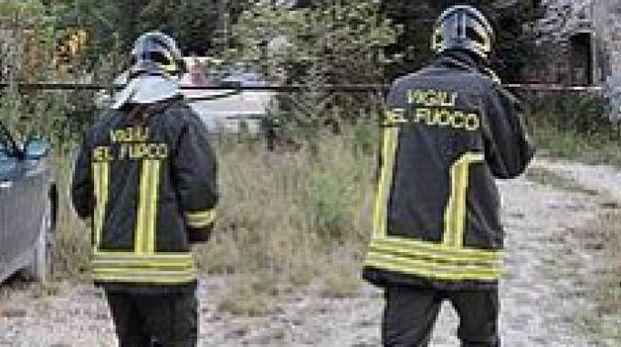 Le ricerche dei vigili del fuoco (foto di repertorio)