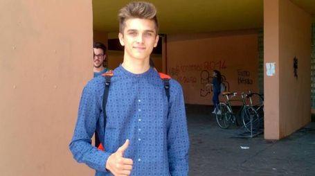 Luca Marini, fratello di Valentino Rossi, il giorno della prima prova dell'esame di maturità (foto Spagnoli)