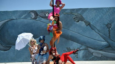 Le ragazze della scuola di ballo (foto Vives)