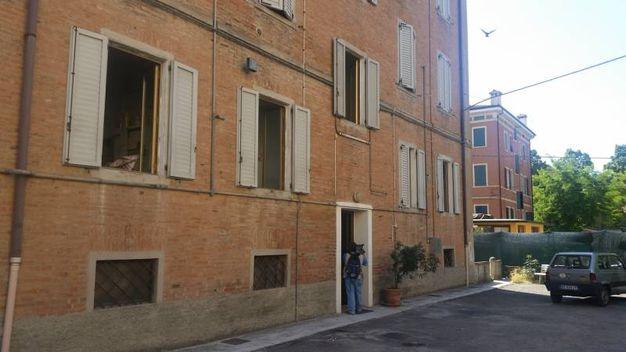 Omicidio a Madonna, cadavere nel quartiere Madonnina (Foto Reggiani)