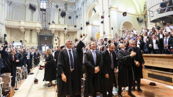 La consegna dei diplomi in Santa Lucia