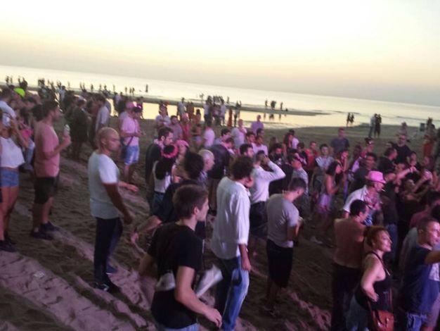 Rimini notte rosa vende pezzi di lungomare come tot - Bagno 60 rimini ...