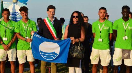 La consegna al sindaco Francesco Acquaroli
