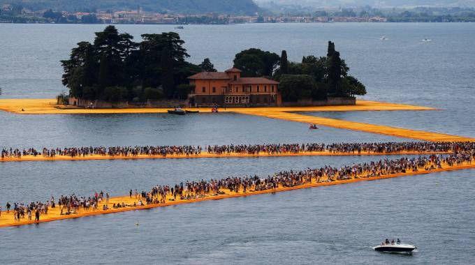 Isola San Paolo, al centro dell'evento Floating Piers