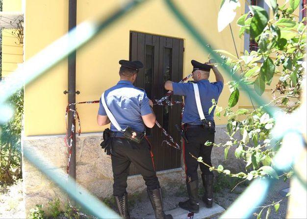 Carabinieri in via Fiume a Laveno Mombello