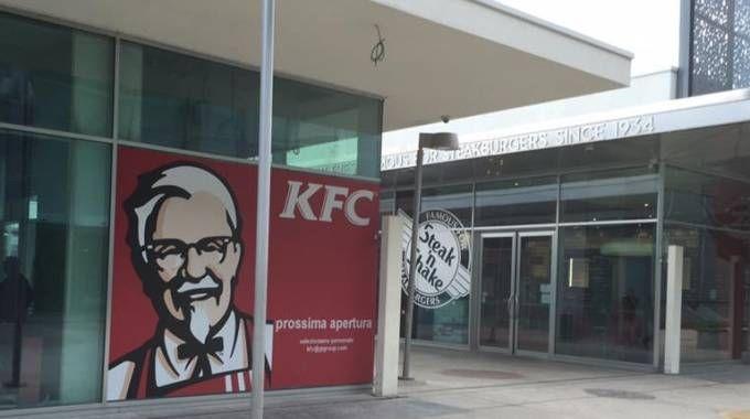 Il ristorante KFC al Bicocca Village di Milano