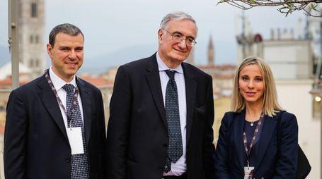 Alberto Giovanni e Lucia Aleotti di Menarini con Caffo, Presidente di Telefono Azzurro