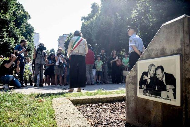 In via Benedetto Marcello un minuto di silenzio alle 16.58, l'ora dell'attentato in via D'Amelio (Newpress)
