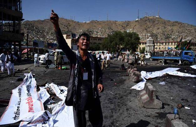 Risultati immagini per foto di attentato a kabul