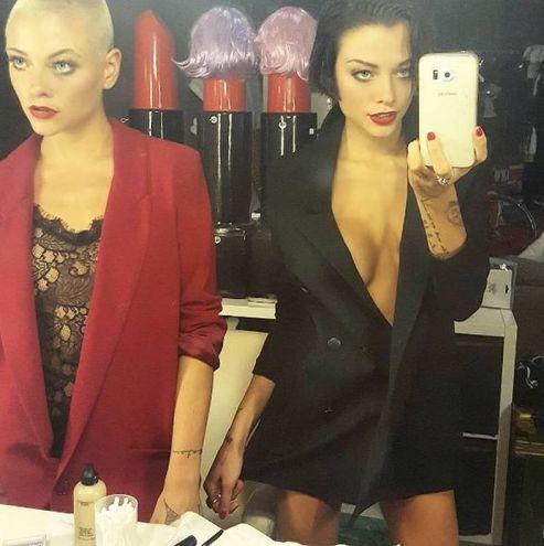 Silvia Provvedi con la sorella Giulia (Instagram)