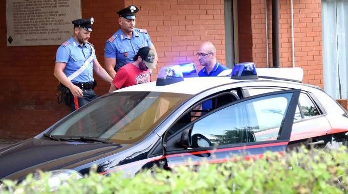 Omicidio di Fossanova, Simone Bertocchi all'uscita dalla caserma (Businesspress)