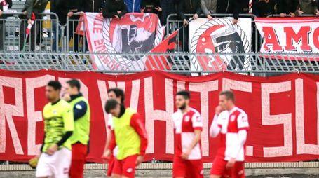 30-01-16 Rimini - Calcio Lega Pro - Rimini vs Lupa Roma pareggio per uno a uno - la curva dei tifosi furiosa con i giocatori - Photo FABRIZIO PETRANGELI