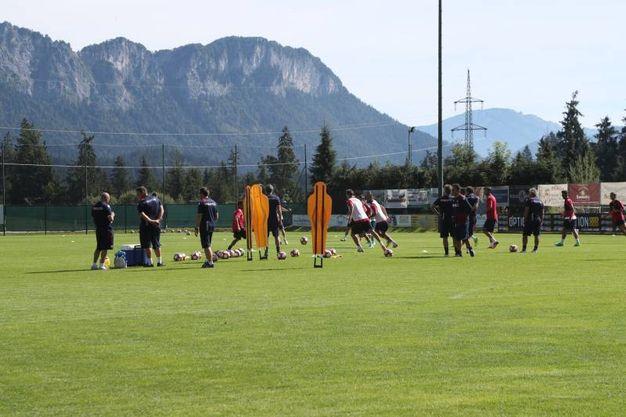 Verso il test con lo Schalke 04, l'ultimo allenamento del Bologna (foto Schicchi)