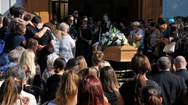 Riccione, il funerale della barista del Coconuts (FotoRiccione)