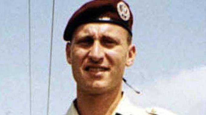 Emanuele Scieri, l'allievo paracadutista trovato morto in caserma a Pisa nel 1999