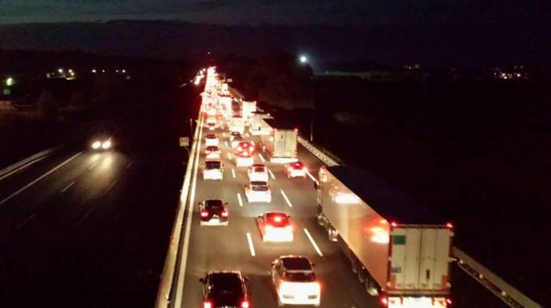 ferrara, incidente in autostrada. un morto e 11 feriti - cronaca