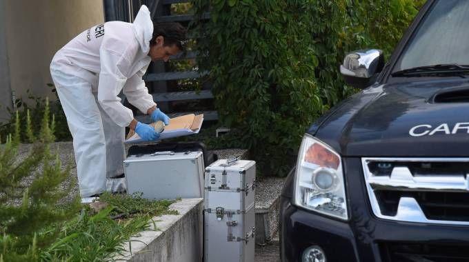 I carabinieri all'hotel dell'omicidio