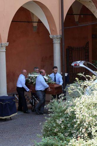 Il funerale di Barbara Fontana, l'ultimo saluto (foto Schicchi)