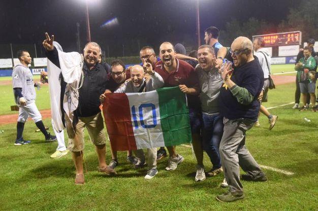 Baseball, l'UnipolSai Bologna vince il decimo scudetto: la festa in campo (Foto Schicchi)