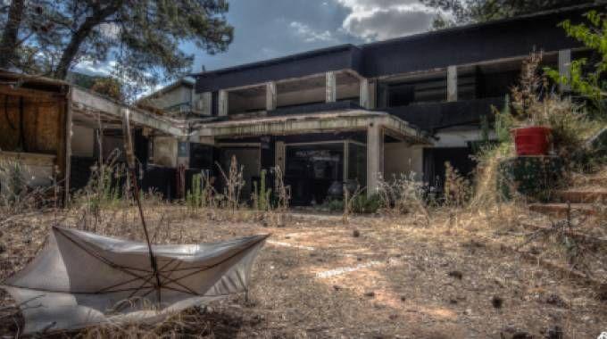 La discoteca 'Paradiso' di Rimini: degrado e abbandono
