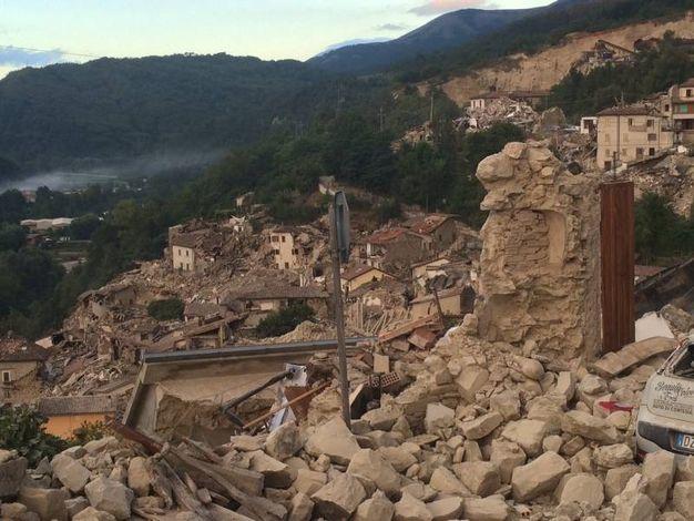 Terremoto in provincia di Ascoli: Arquata del Tronto devastata dal sisma