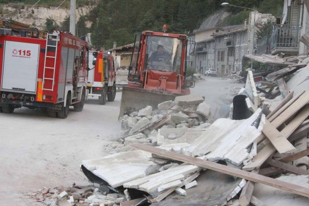 Terremoto in provincia di Ascoli: la frazione di Pescara del Tronto rasa al suolo (Foto La Bolognese)