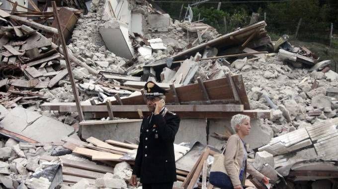 Terremoto, macerie a Pescara del Tronto (foto LaBolognese)