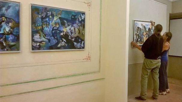 L'allestimento della mostra a palazzo Berardi Mochi - Zamperoli a Cagli  (Foto Andreoli)