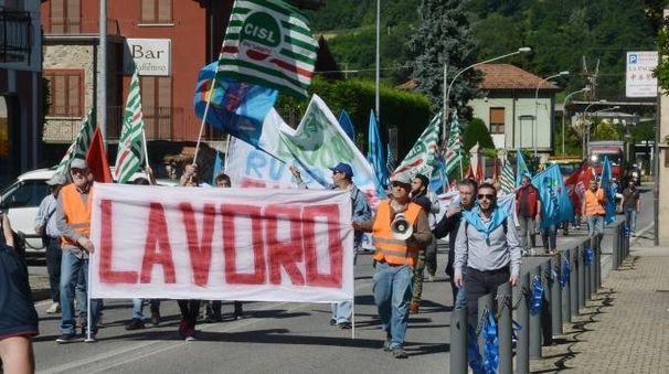 Le proteste dei lavoratori della Cementeria