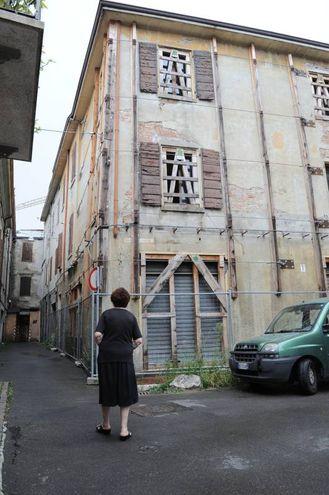 Terremoto, 4 anni dopo: via Milazzo a Mirandola (Foto Fiocchi)