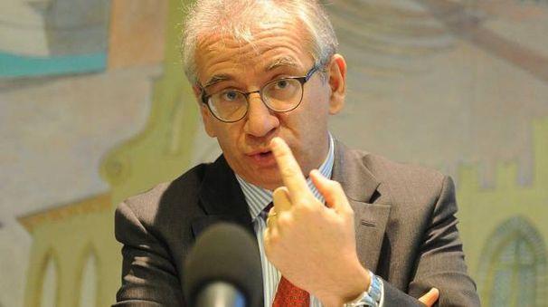 IL MANAGEMENT Roberto Nicastro, presidente, e in alto Roberto Bertola, Ad di Banca Etruria