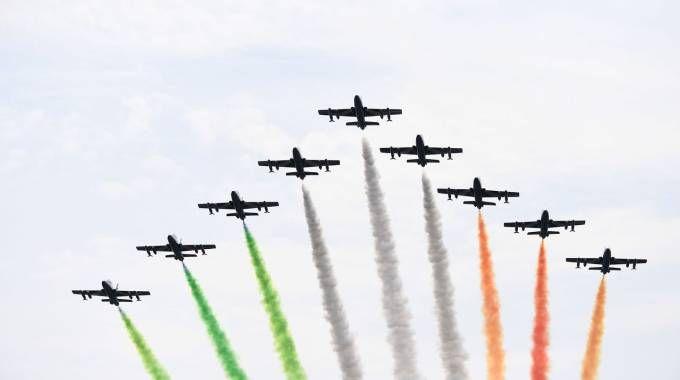 Lo spettacolo delle Frecce Tricolori a Monza (Afp)